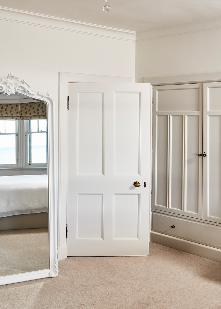 Internal doors and fittings